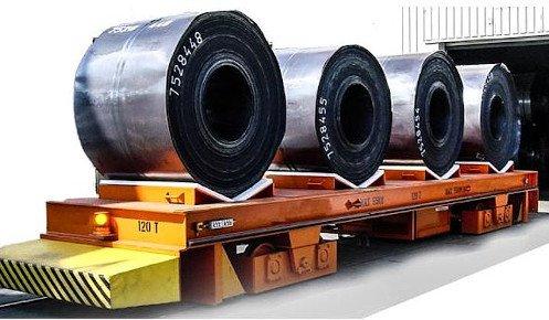 Mesa de transporte para 4 bobinas sobre raíles.